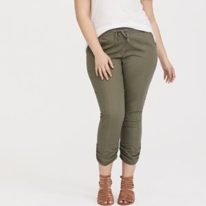 Torrid Cropped Pants 20 Elastic Waist Green A35